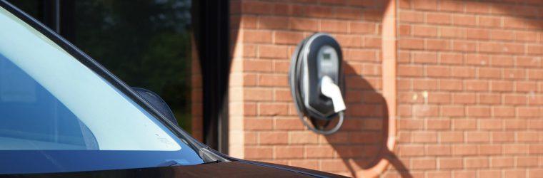 Jak działają ładowarki samochodów elektrycznych?